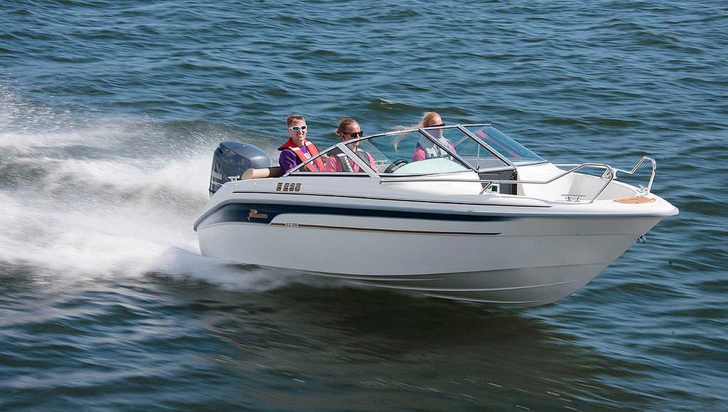 speed boat goa